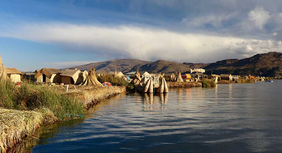 Day 7: PUNO: FULL DAY TO TITICACA LAKE (UROS & TAQUILLE ISLANDS)